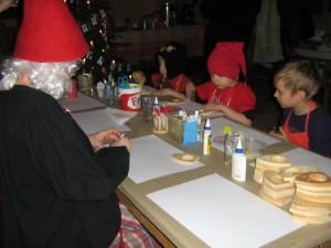 Jouluaskartelua lasten kanssa.